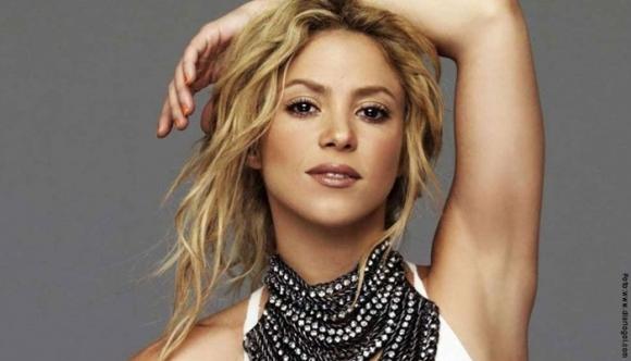 Shakira luce cansada antes de tiempo