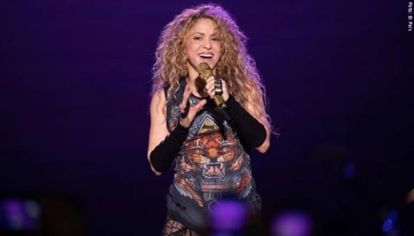 Shakira se luce frente a sus hijos