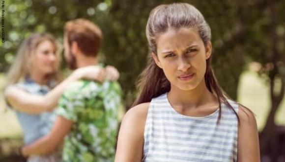 Estas señales determinan si te está usando para olvidar a su ex