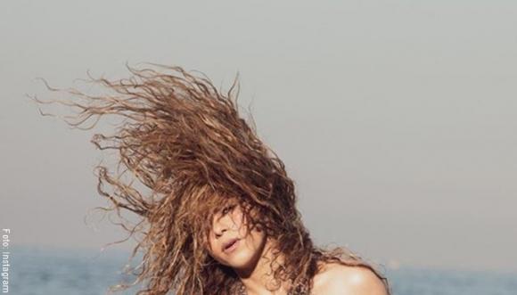 Shakira cuenta en Instagram cómo mantiene su pelo crespo
