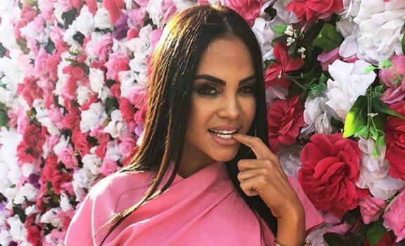 La cantante Natti Natasha demuestra que lo que ahora está de moda entre las artistas es andar sin brasier