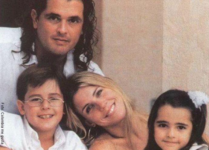 Foto de Herlinda Gómezjunto a Carlos Vives y sus hijos en común