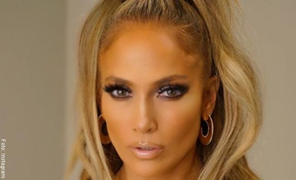 Jennifer Lopez divide las redes por esta foto, ¿demasiado músculo?
