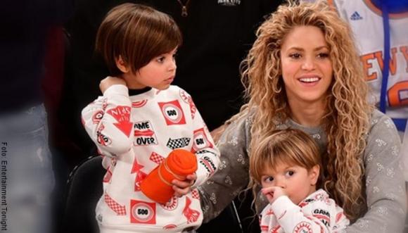 A Shakira le critican pinta para recoger a hijos del colegio