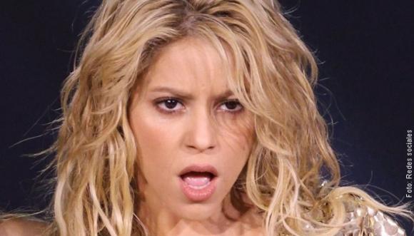 ¿Shakira captada sin ropa interior en Disney?