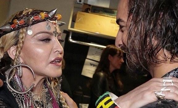 Madonna troleó a Maluma por esta foto