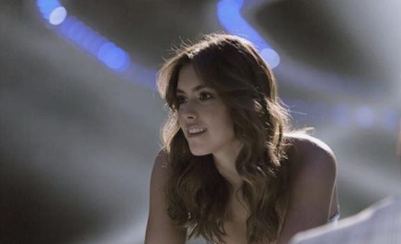 ¿Cómo se arreglaba Paulina Vega en Miss Universo? Al parecer, el cabello se lo peinaba al viento y utilizaba muy poco maquillaje.