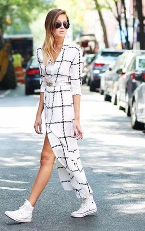 Outfit formal con tenis y vestido