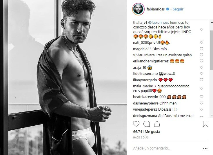 Print de pantalla de Fabián Ríos luciendo tanga