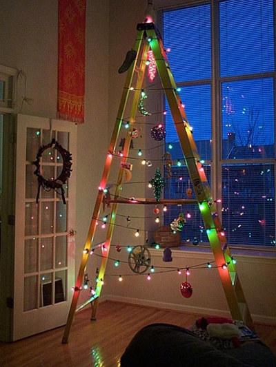 Top 10 de Arbolitos de Navidad unicos y creativos escalera