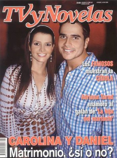 Portada de la revista TV y Novelas con Carolina Cruz y Daniel Arenas