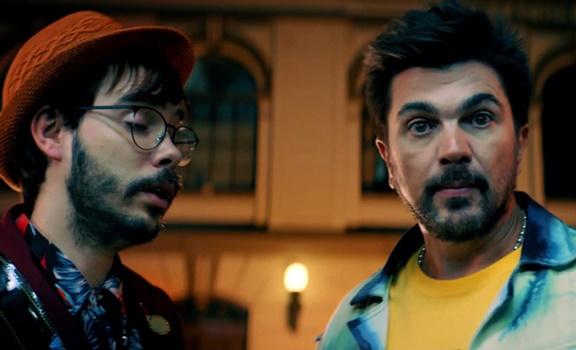 La música de Juanes da un giro de 180 grados con La plata