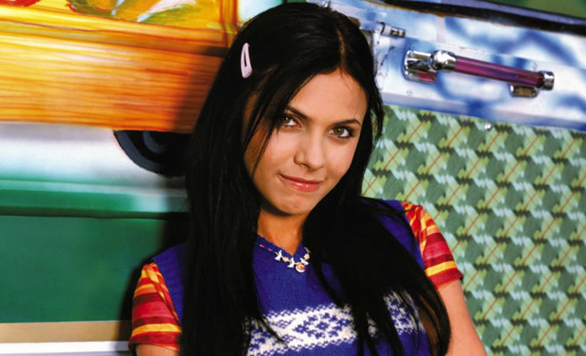 María, de la telenovela Los Reyes, luce irreconocible