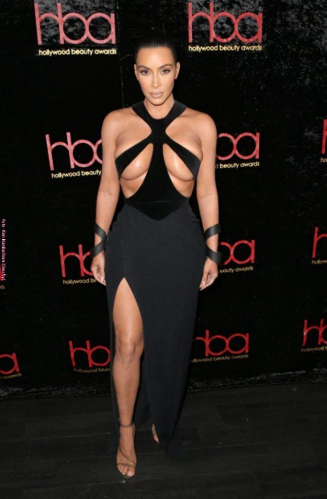 10 vestidos más atrevidos de Kim Kardashian Negro