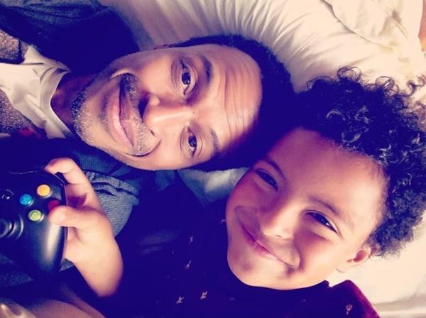 Foto de Max Milfort y su hijo