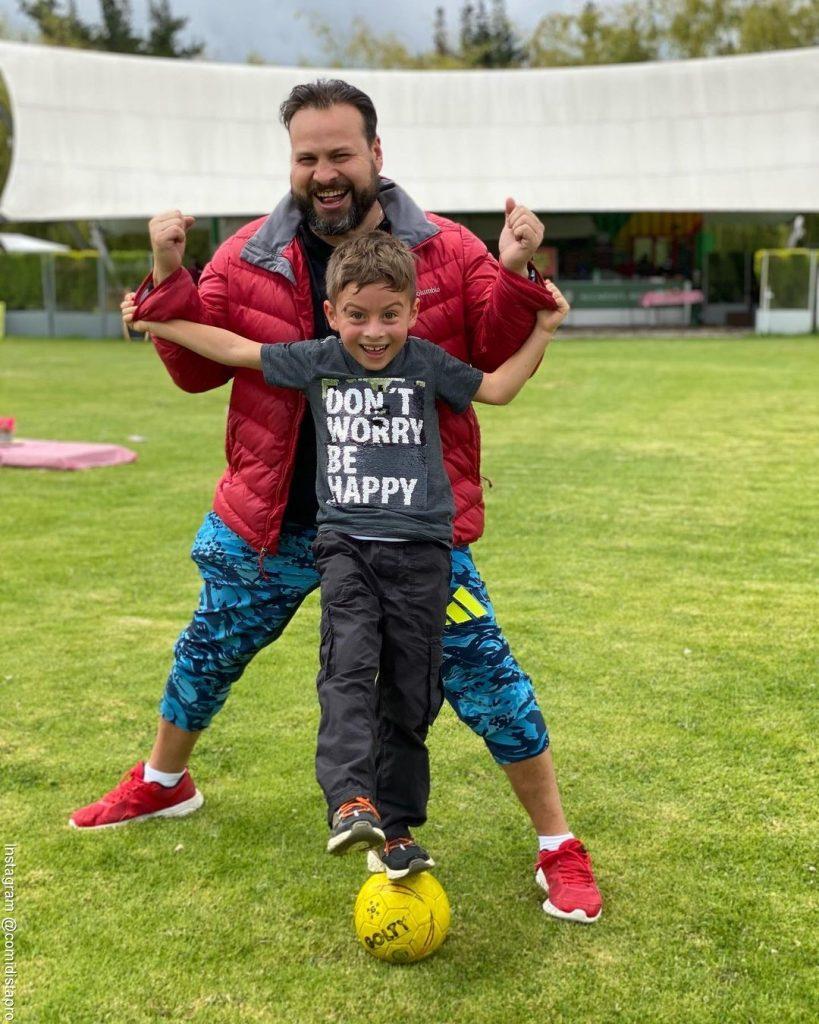 Foto de Toño con su hijo Lorenzo