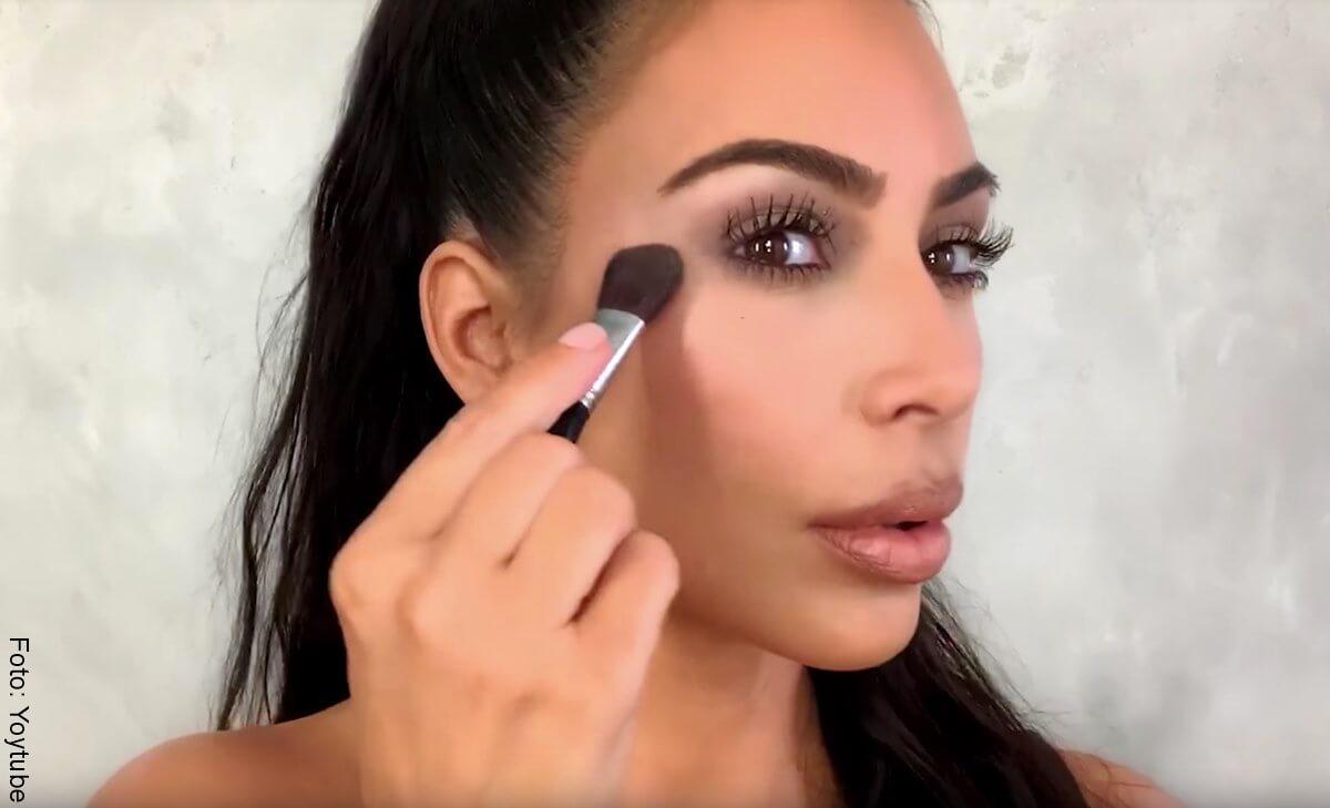 Las Kardashian antes y después de maquillarse el rostro