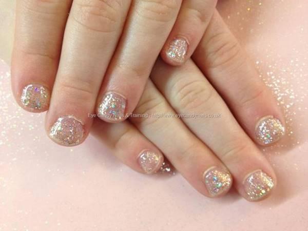 Foto de decoración de uñas para niñas: escarcha