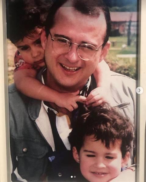 Foto de Jota Mario con sus hijos