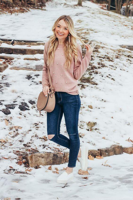 Foto de chica con saco rosa