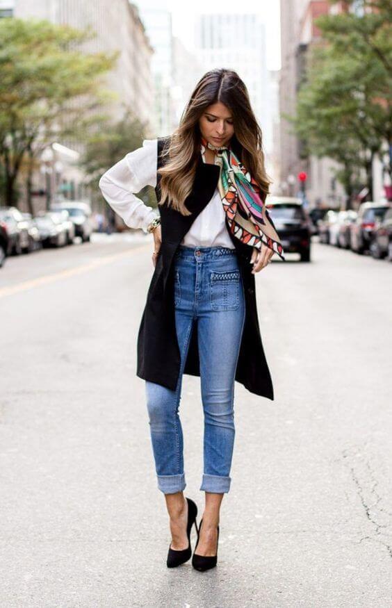 Outfit con jeans para la oficina