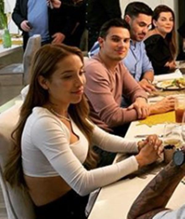 Luisa Fernanda junto a Pipe Bueno en cena de Carolina Cruz