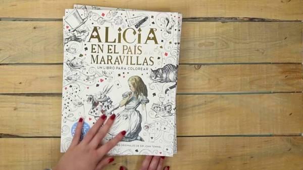 Foto del libro Alicia en el país de las maravillas uno de los libros recomendados en la nota¿Qué leer en estas vacaciones de 2019?