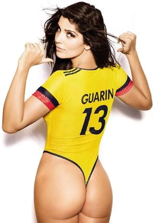 Andreina Fiallo con camiseta de Colombia