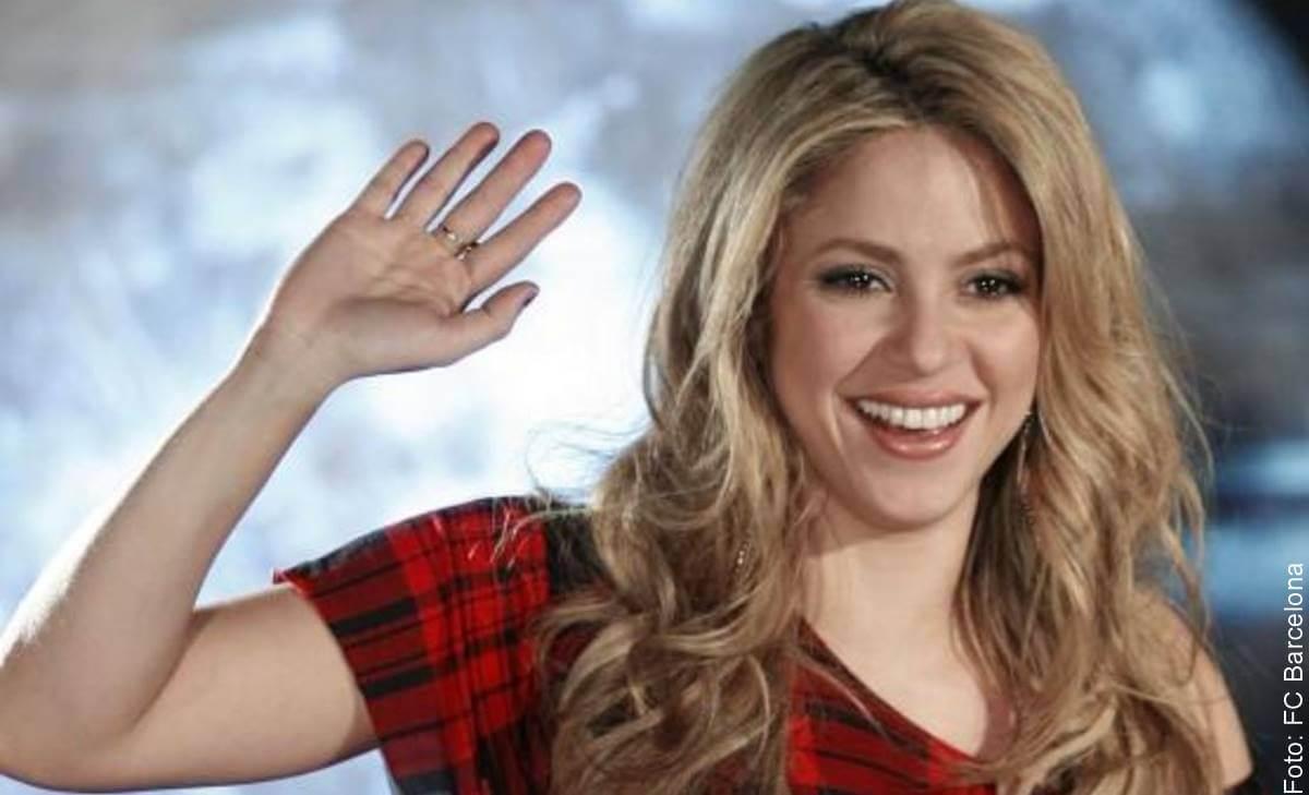 Shakira en sus inicios ya cantaba y bailaba como hoy