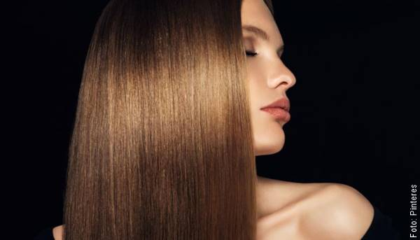 Foto de chica con cabello liso