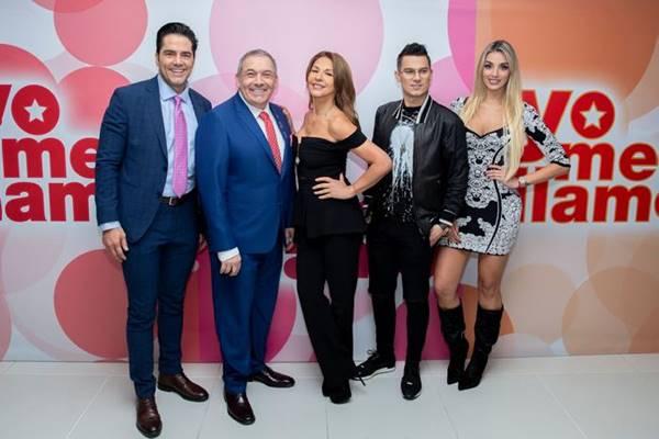 Foto de presentadores y jurados del programa