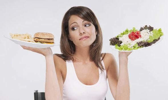 Foto de chica con comida