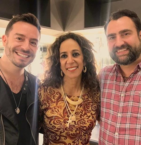 Juan Pablo Espinosa y su novio junto a Rosario