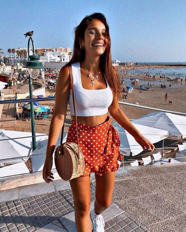 Foto de chica junto al mar