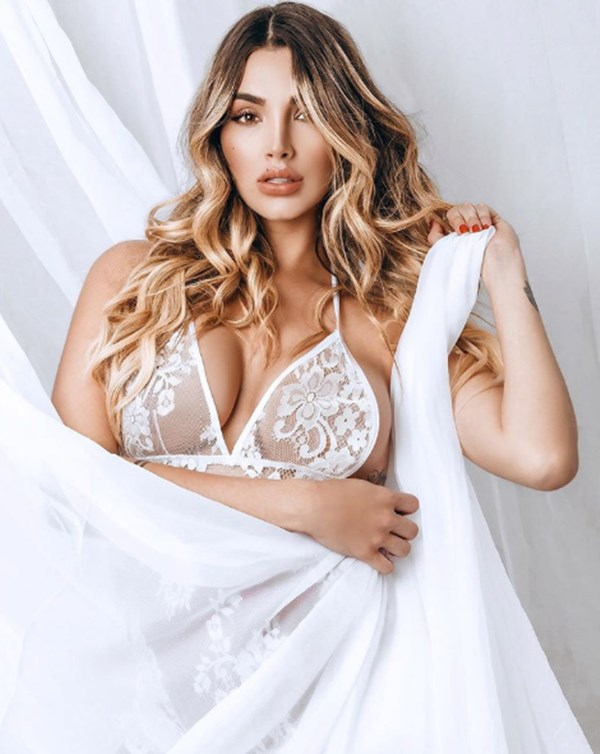 Melina Ramírez desnuda y embarazada