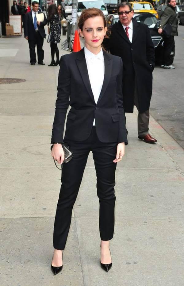 Foto de chica usando outfit formal para mujer