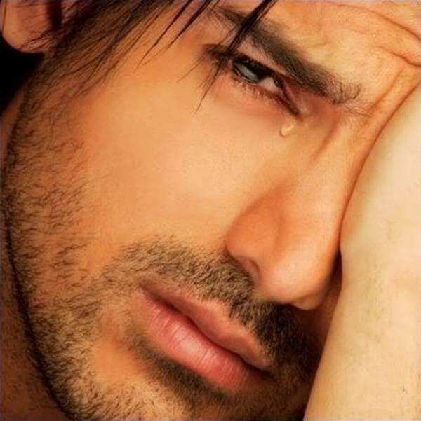 Foto de hombre llorando