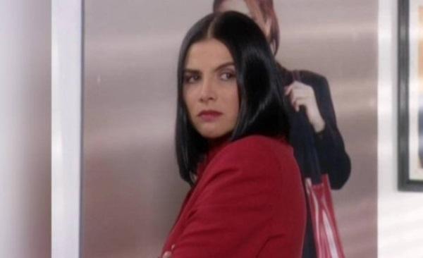 Marcela Valencia, interpretada por Natalia Ramírez