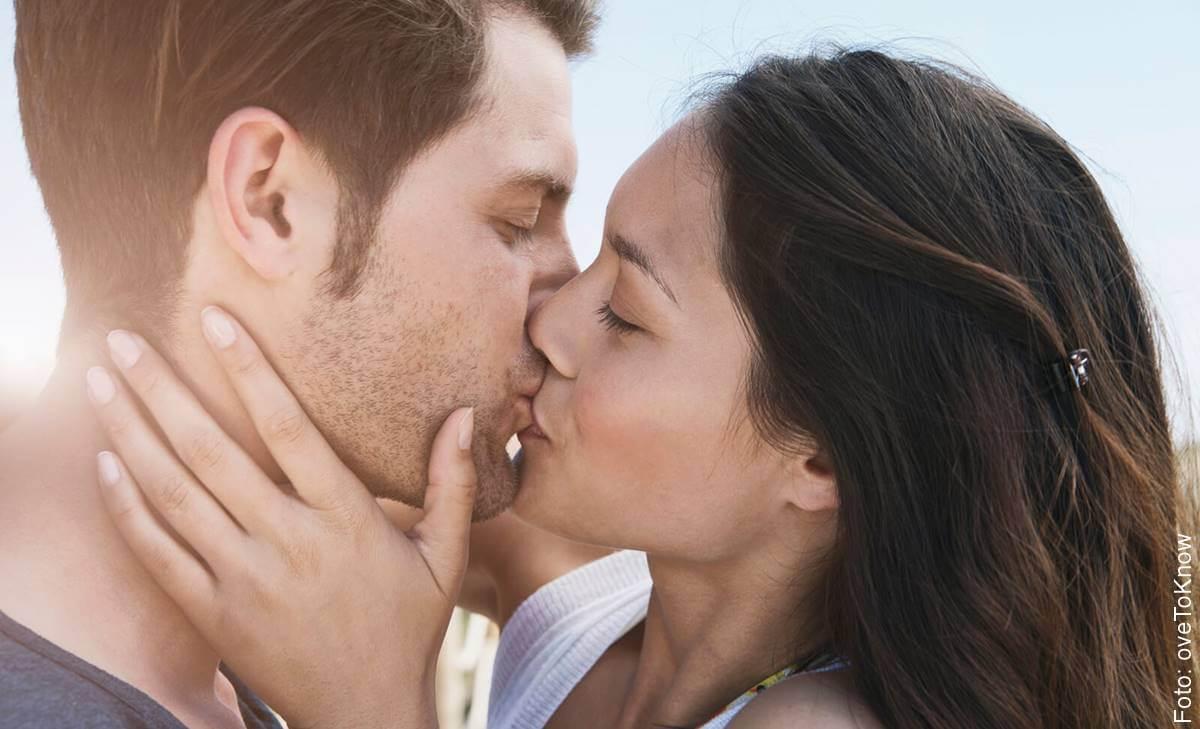 ¿Cómo aprender a besar? Mira el paso a paso, aquí...