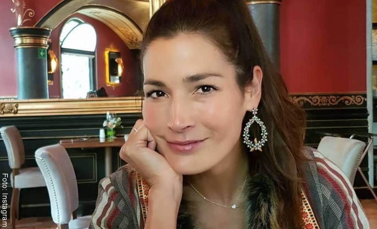 ¿Cuántos años tiene Kathy Sáenz? El maquillaje no los oculta...