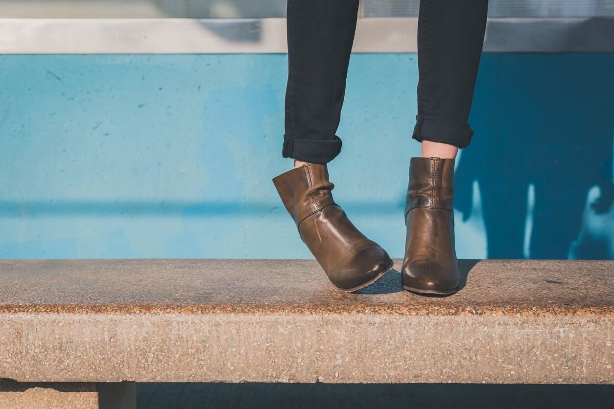 11 ejemplos de outfit con botines cafés que tú amarás