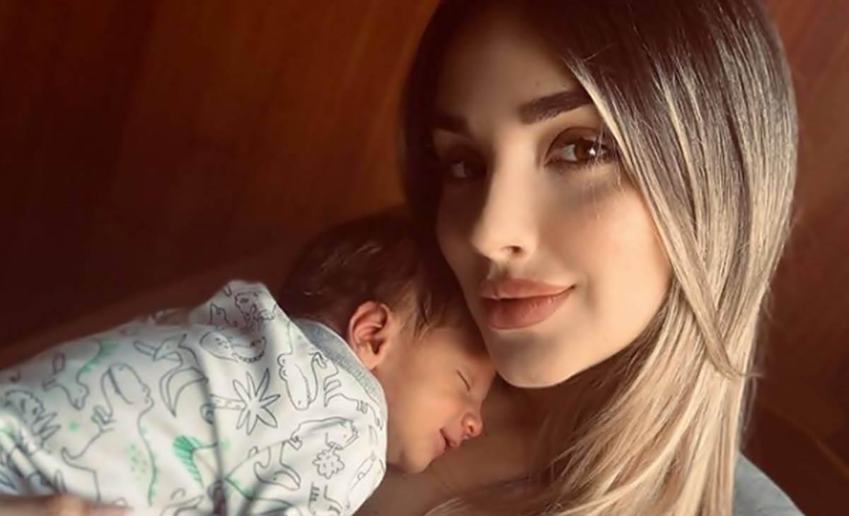 Así reaccionó Melina Ramírez en Instagram por defender a su bebé