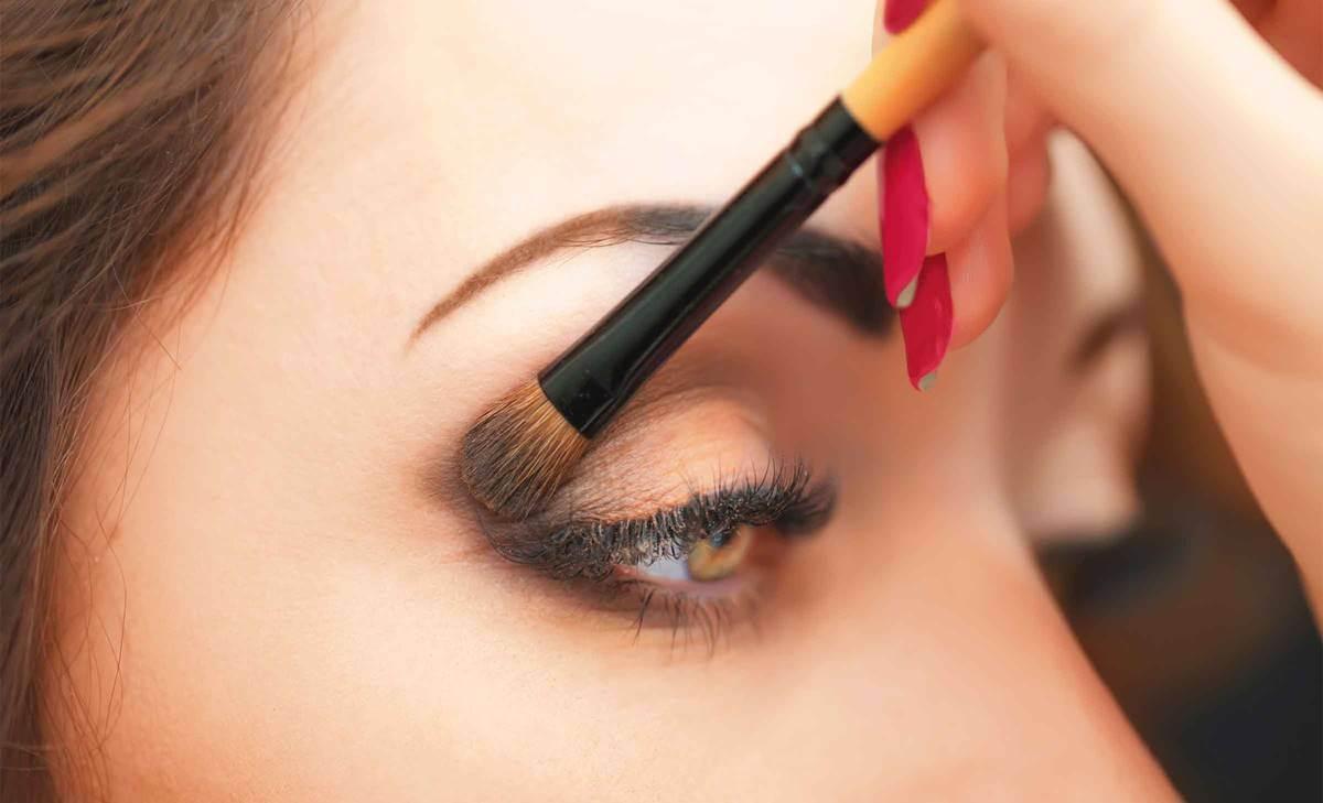 Cómo maquillarse los ojos en solo 5 fáciles pasos