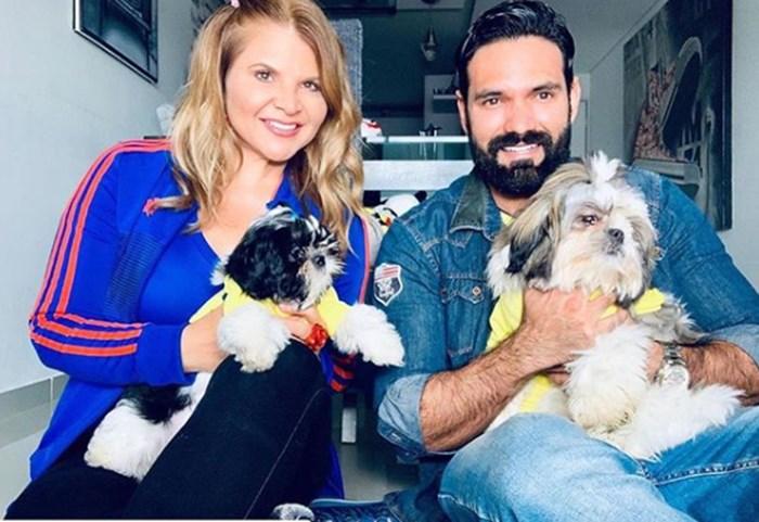 Diva Jessurum y Rafael con sus perros
