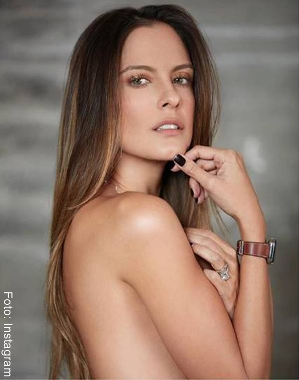 Foto de esta famosa presentadora sin ropa