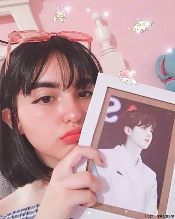 Foto de chica  maquillada como coreana