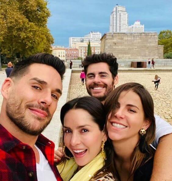 Maria Fernanda Yepes con Carmen Villalobos y Sebastián Caicedo