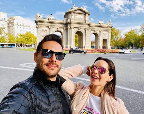 Carmen Villalobos y Sebastián en su luna de miel.