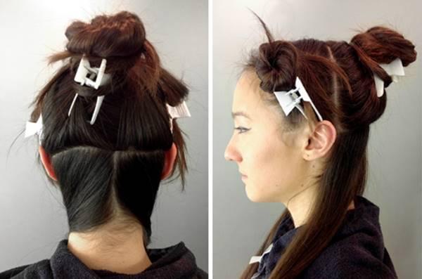 Foto de mujer con pinzas en el cabello