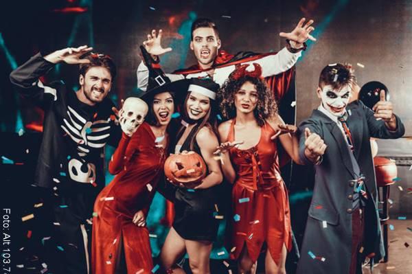 Foto de grupos de amigos en Halloween